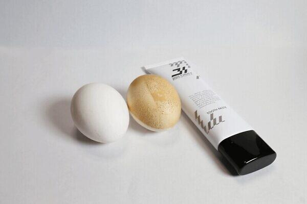 着色汚れを再現しブレスマイルクリア(bresmile)のホワイトニング効果を検証