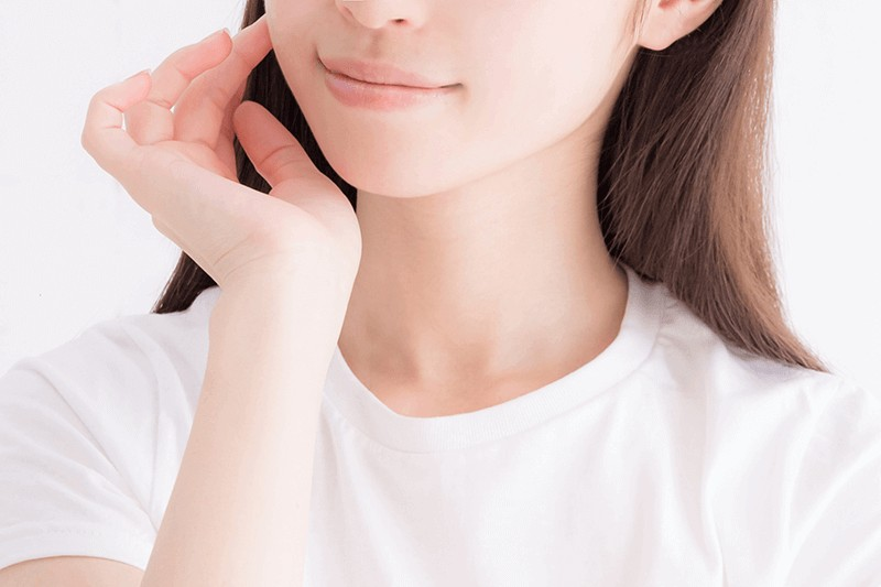 レナセル クリアセラム(renacell)を使用してハリ・艶が生まれて化粧ノリも良くなった!