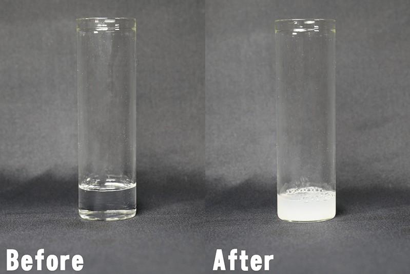 汚れがしっかり落ちて透明の液体が白く濁る