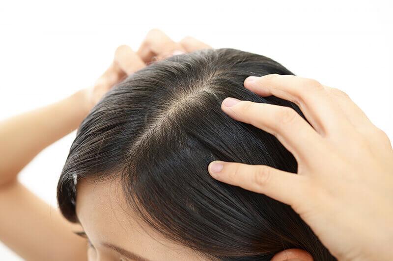 トリコレ(Tricore)温感ヘッドスパトリートメントの特徴:頭皮もケアできる生トリートメント!フケやかゆみ、臭いやベタつきを防ぐ!